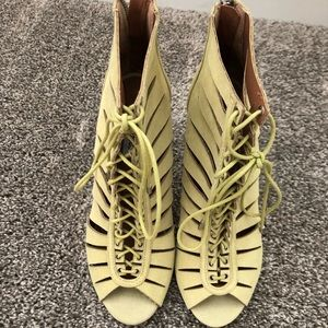Steve Madden Lace-Up Booties - Size 8 - New!!